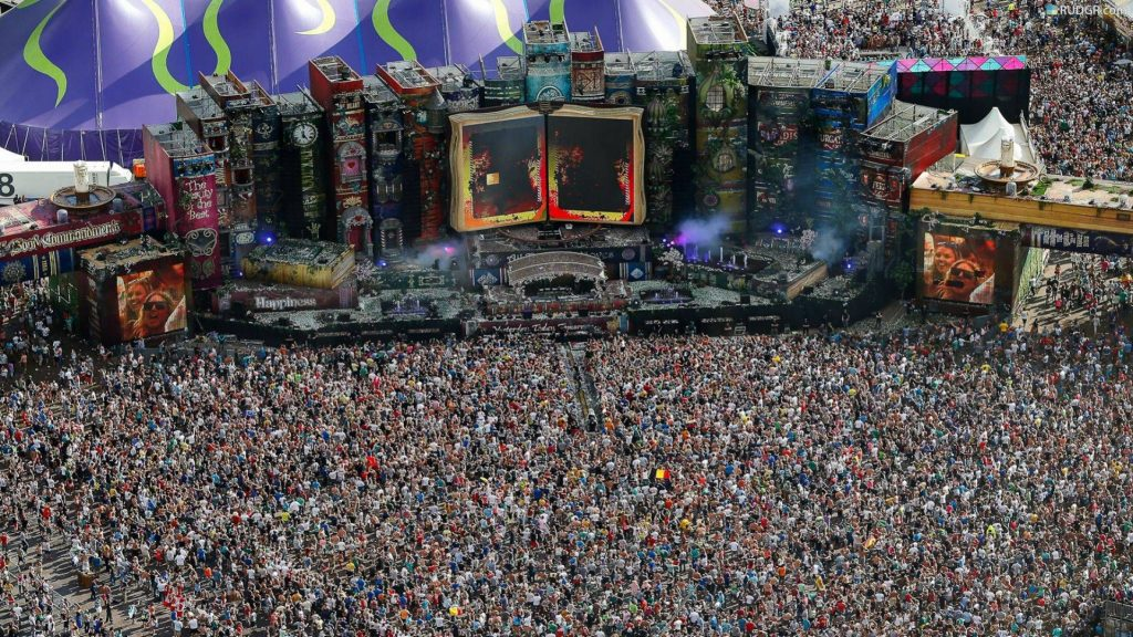 EDM concerts music dubstep drumstep chillstep festivals tomorrowland