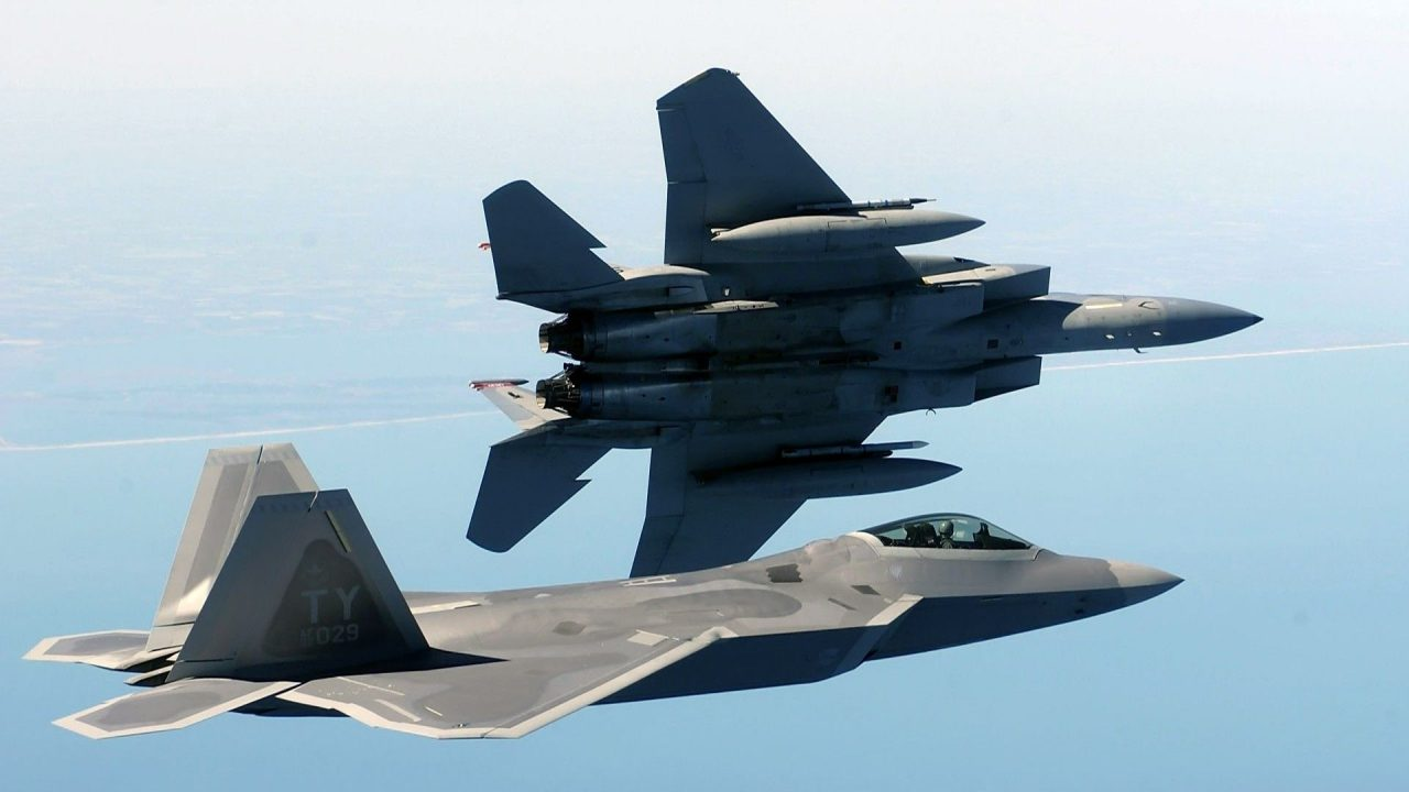 military aircraft planes jets F22 Raptor 23