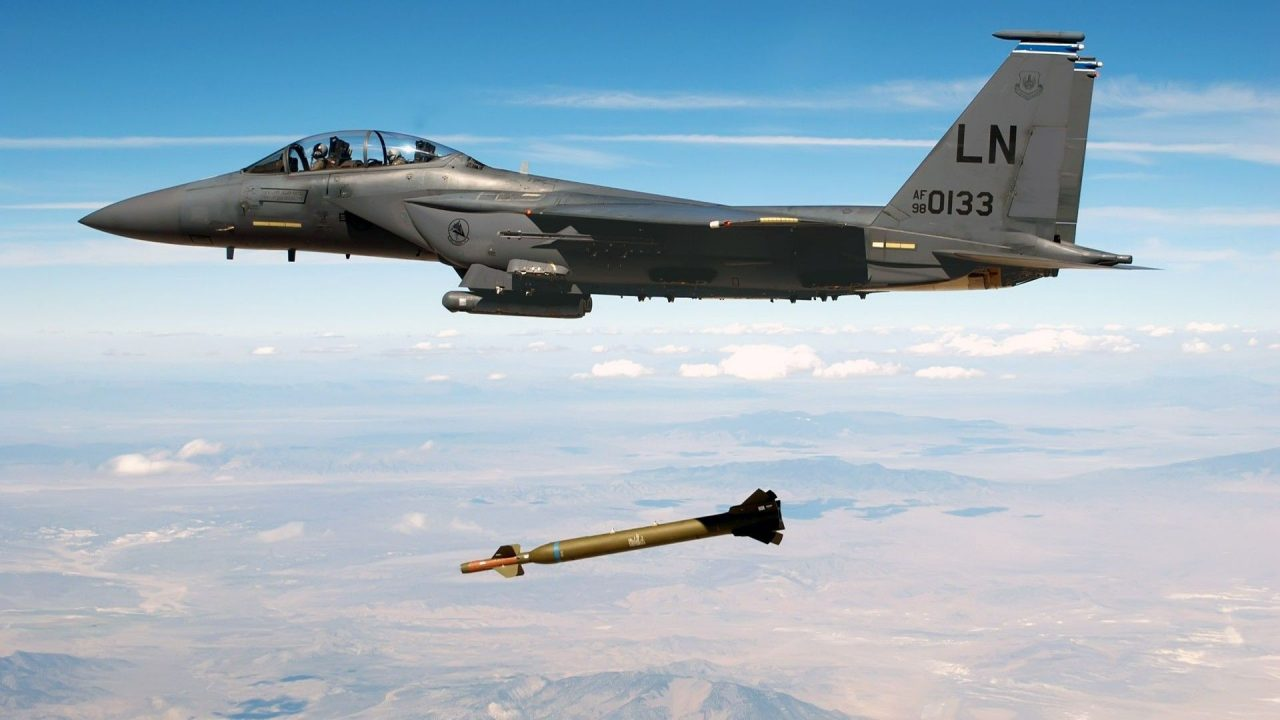 military aircraft planes jets bombs F 15 Eagle